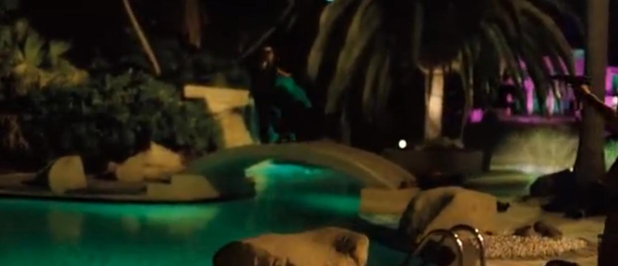 """uccisione sul ponticello con successiva caduta acrobatica in piscina? Non si vedeva da """"Beverly Hills Cop 2""""!"""